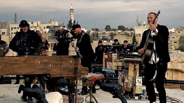 Coldplay Rilis Album Baru 'Everyday Life' Secara Langsung di Yordania (49971)