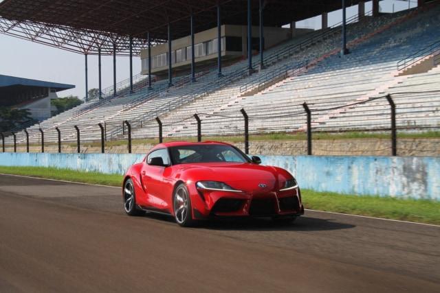 Menaklukkan Sirkuit Sentul dengan Toyota GR Supra  (48423)