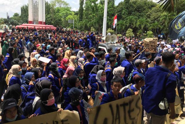 Demo Mahasiswa UNY