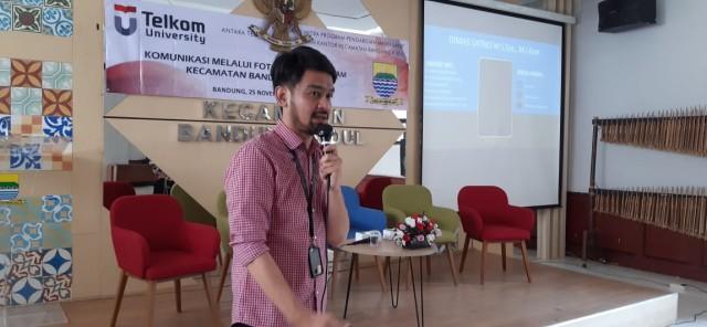 Pelatihan Komunikasi Melalui Foto Bagi Karyawan Kecamatan  (260)