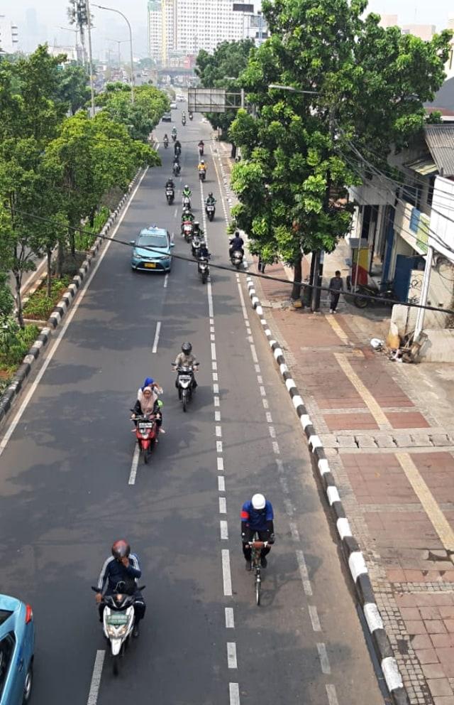 PTR, Jalur sepeda di jalan Pramuka