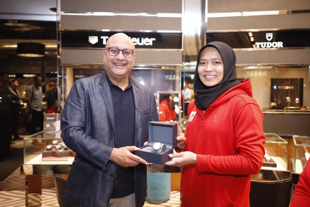 Hadiah Jam Tangan TAG Heuer buat Aries Susanti dari Time International (1180211)