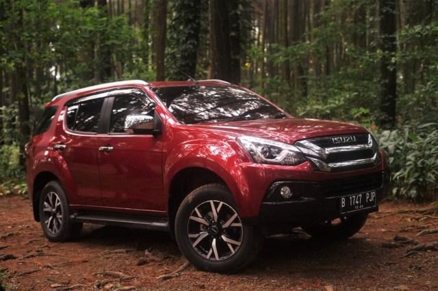Menakar Lawan Berat Toyota Fortuner Facelift, Siapa Saja? (678812)