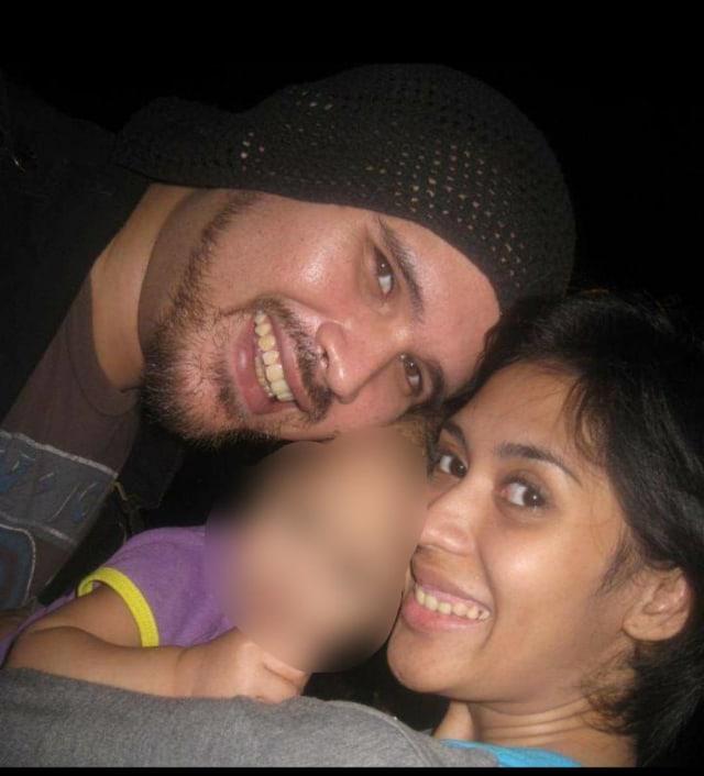 PTR, Karen Pooroe dan suaminya, Arya Satria Claproth