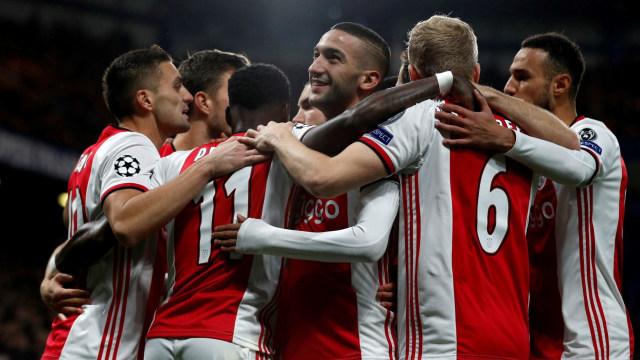 Ryan Gravenberch, Darah Muda nan Merekah Milik Ajax Amsterdam (728083)
