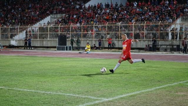 Babak Pertama Berakhir, BLFC Unggul 2-0 Atas Madura United (20015)