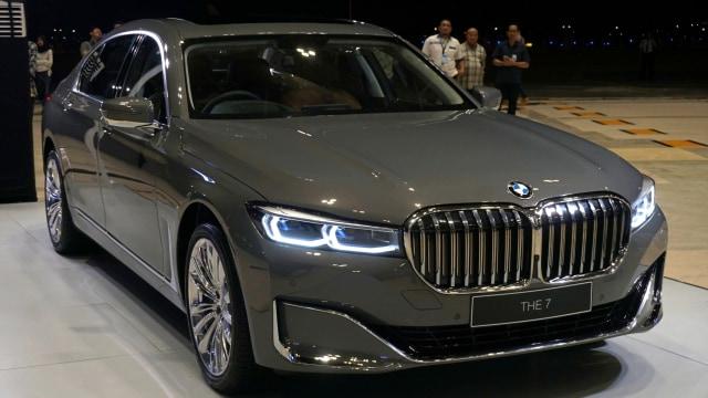 Genjot Jualan, Beli Mobil BMW Dapat Gratis Bensin   (994)