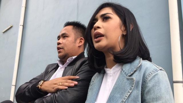 Karen Poore dan Acong Latief