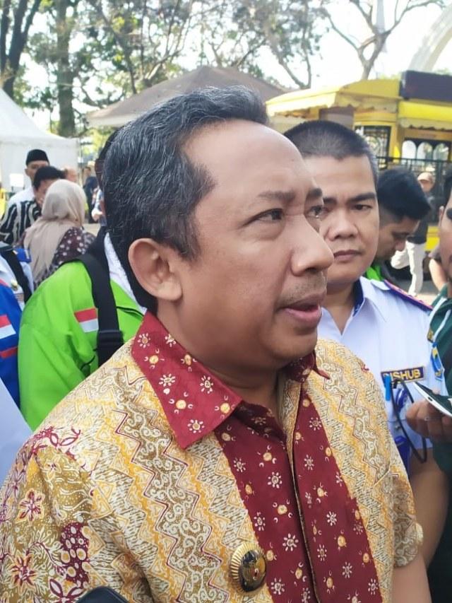Wakil Wali Kota Bandung Yana Mulyana, POTRAIT