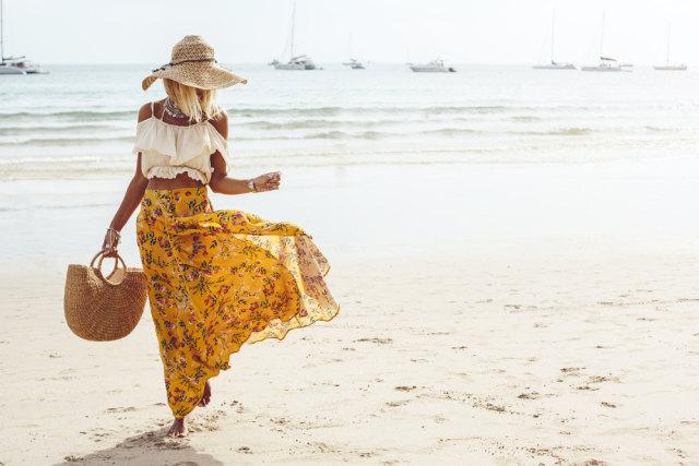 com-AirAsia, outfit pantai