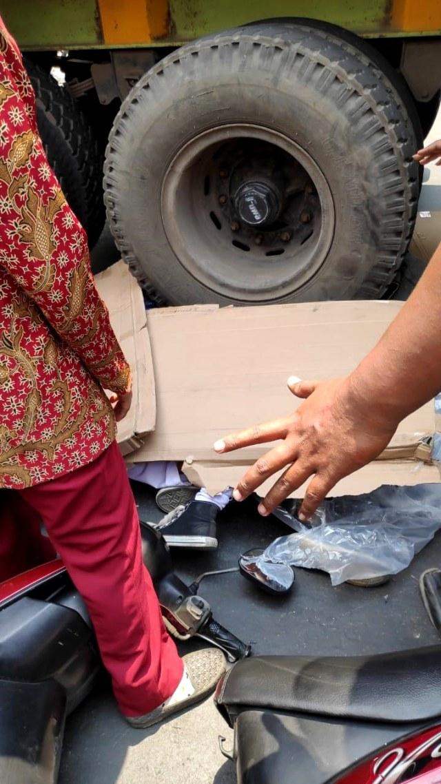 PTR, Dua siswi pelajar SMA tewas terlindas truk di Cakung