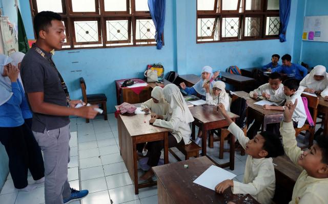 Nadiem: PPDB Zonasi Hapus Diskriminasi, Siswa Ekonomi Rendah Bisa Sekolah Negeri (324393)