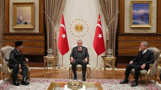 Bertemu Erdogan, Prabowo Sampaikan Salam dari Jokowi (242112)