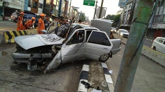 mobil kecelakaan, 212