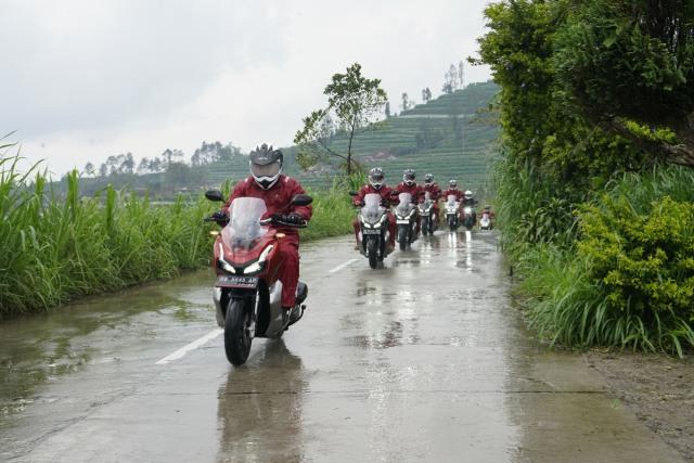 Touring Honda ADV150