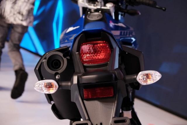Alasan Teknis Mengapa Posisi Knalpot Yamaha WR 155 R Ada di Sebelah Kiri (88676)