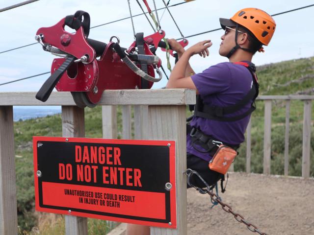 Taklukkan Fobia demi Ziplining Tertinggi, Terpanjang di Selandia Baru (224746)