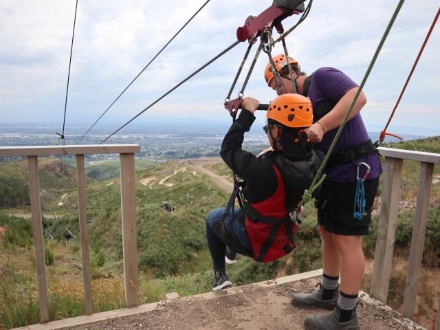 Taklukkan Fobia demi Ziplining Tertinggi, Terpanjang di Selandia Baru (224742)