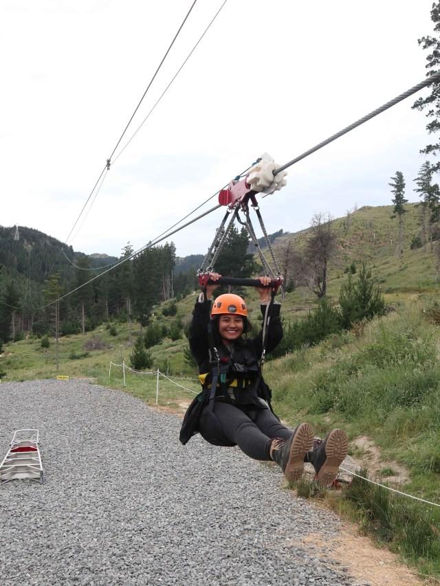 Taklukkan Fobia demi Ziplining Tertinggi, Terpanjang di Selandia Baru (224758)
