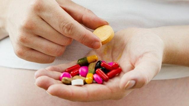 vitamin dan obat-obatan.jpg