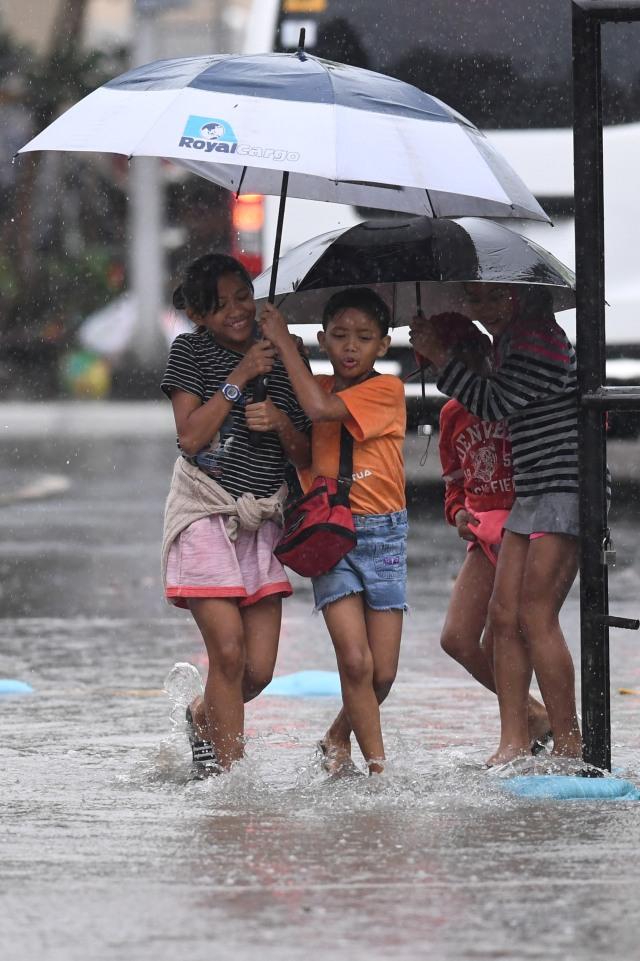 PTR, Badai di SEA Games, Filipina