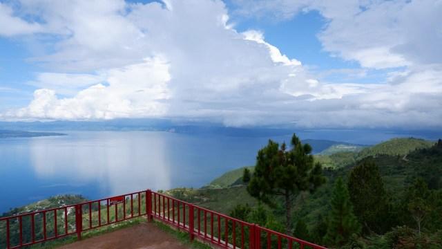 Menikmati Danau Toba dari Ketinggian 1.500 Mdpl di Huta Ginjang (94452)