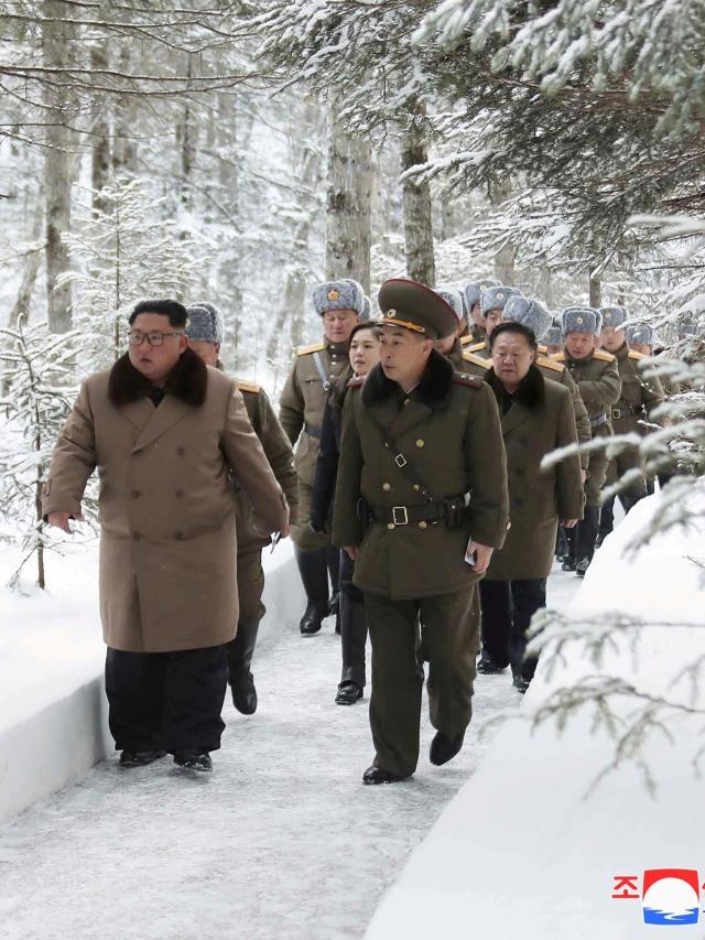 Kebiasaan Aneh Kim Jong-un Saat Traveling, Bawa Toilet Pribadi Hingga Mesin Mi (312170)