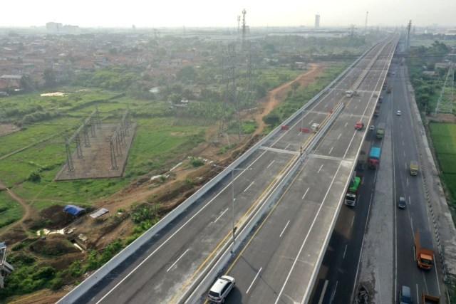Foto udara jalan layang tol Jakarta-Cikampek