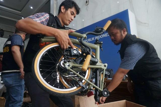 Adu Harga Brompton yang Digemari Pejabat dan Koleksi Sepeda Lokal Jokowi (481463)