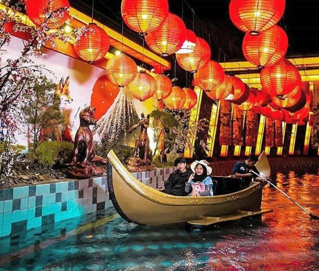 Frozen Show, Pertunjukan Keren Akhir Tahun di Malang Night Paradise (34063)