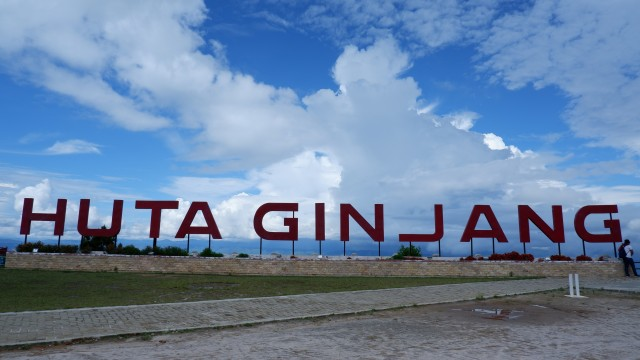 Sandiaga Harap Adian Nalambok Bisa Jadi Alternatif Wisata Pilihan di Danau Toba (277185)