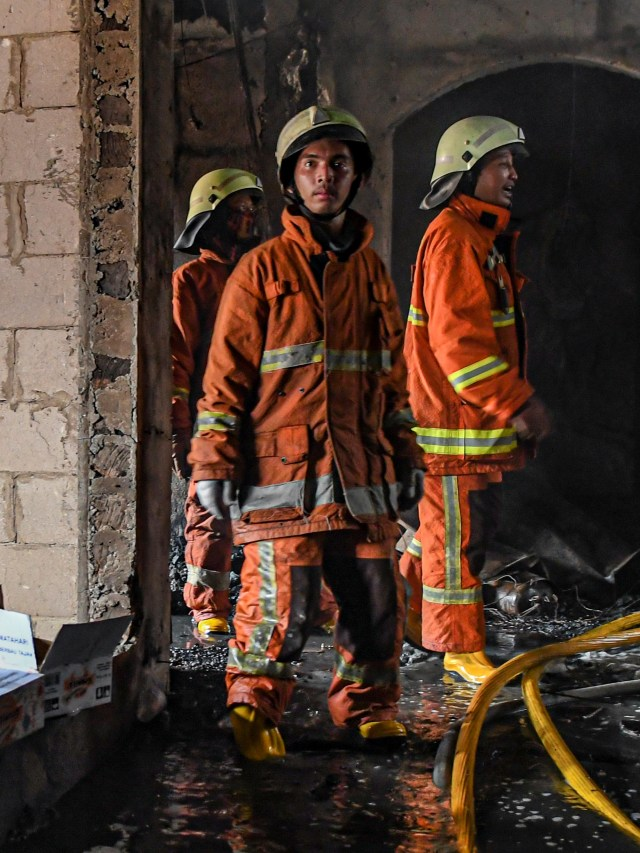PTR, Kebakaran di Mal Lokasari,