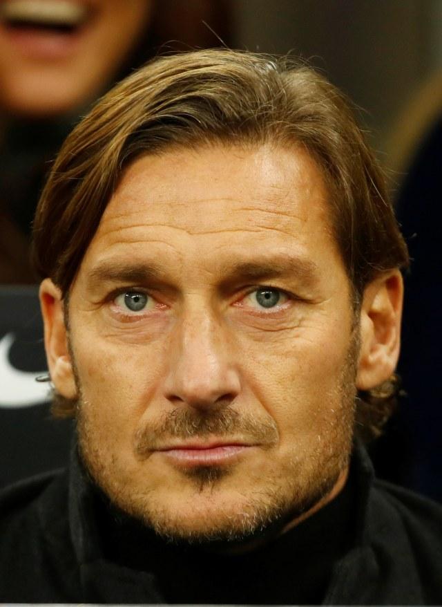 Tawa Cannavaro Waktu Tahu Anak Totti Suporter Lazio (100319)
