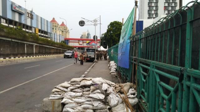 Trotoar di Pasar Senen