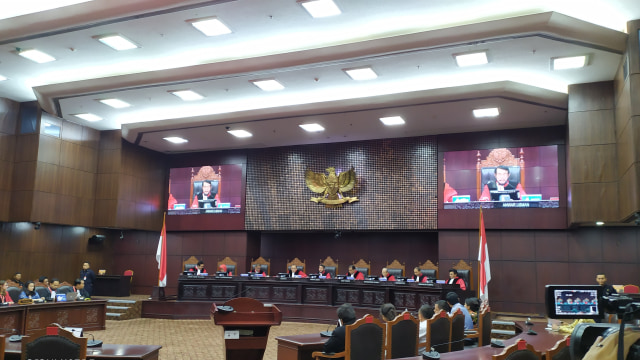 MK Tolak Gugatan Faldo Maldini dkk soal Batas Usia Calon Kepala Daerah (296100)