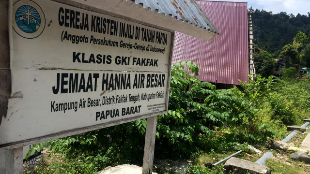 Satu Tungku Tiga Batu: Wujud Toleransi Umat Beragama di Fakfak (6687)