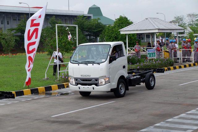 Berita Populer: Alasan Truk Kekinian Tanpa Moncong, Soal Populasi Yamaha XSR 155 (106343)