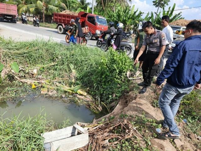 Mayat Pria Paruh Baya Ditemukan di Saluran Irigasi Pinrang, Sulsel (135415)