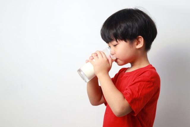 Manfaat Susu Soya untuk Anak yang Alergi Susu Sapi (1)