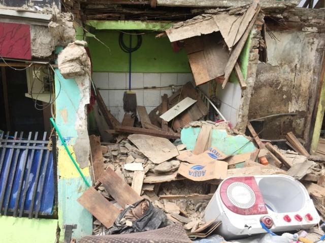 Rumah ambruk di Matraman