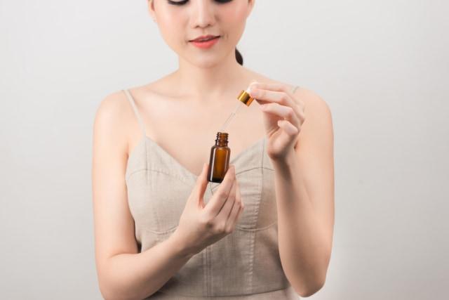 Ingin Pakai Serum Vitamin C untuk Perawatan Kulit? Ketahui Dulu 7 Hal ini (107064)