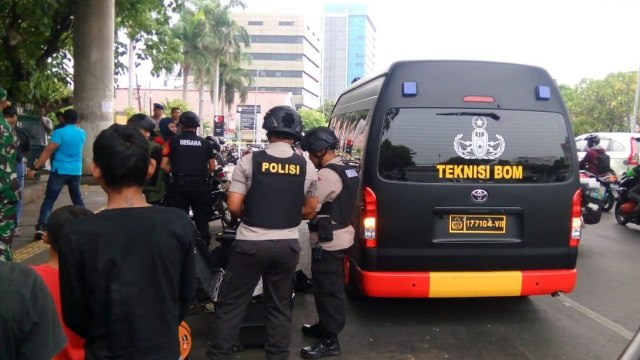 Benda Diduga Bom Ditemukan di Cipinang Indah, Gegana Turun Tangan (184655)
