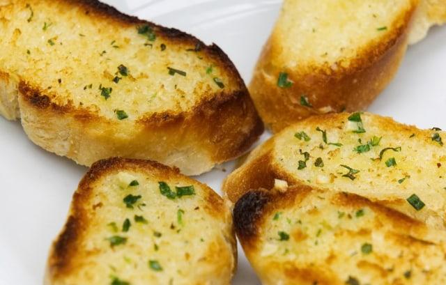 Ilustrasi garlic bread