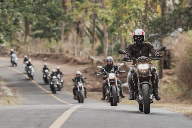 Mencoba Naked Bike Rp 560 Juta, Aprilia Shiver 900 (4405)