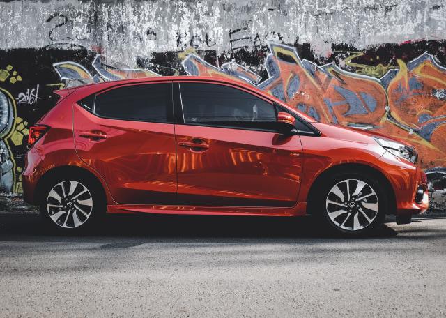 Pengalaman Road Trip Jakarta-Semarang Pakai Honda Brio RS (146570)