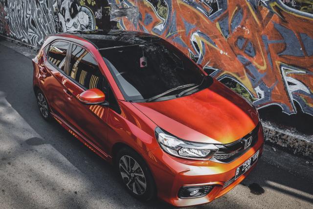 Honda Brio Rajanya City Car, Nissan March dan Datsun Cross Tumbang (307349)