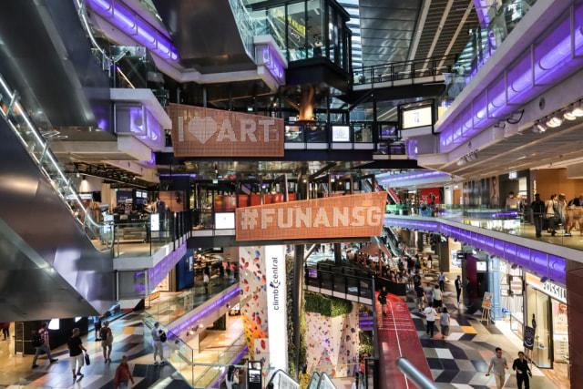 Seharian Belanja di Singapura Bersama Alika Islamadina (284715)