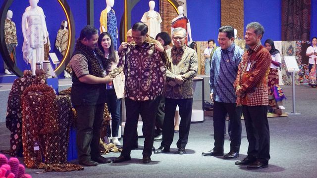 Saat Jokowi Fokus UMKM & Benci Produk Asing, DPRD Pilih Merek Luar Negeri (4834)
