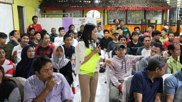 Kegiatan reses anggota DPRD DKI Eneng Malianasari