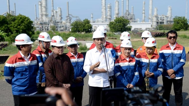 Jokowi meninjau kilang PT TPPI, Ahok